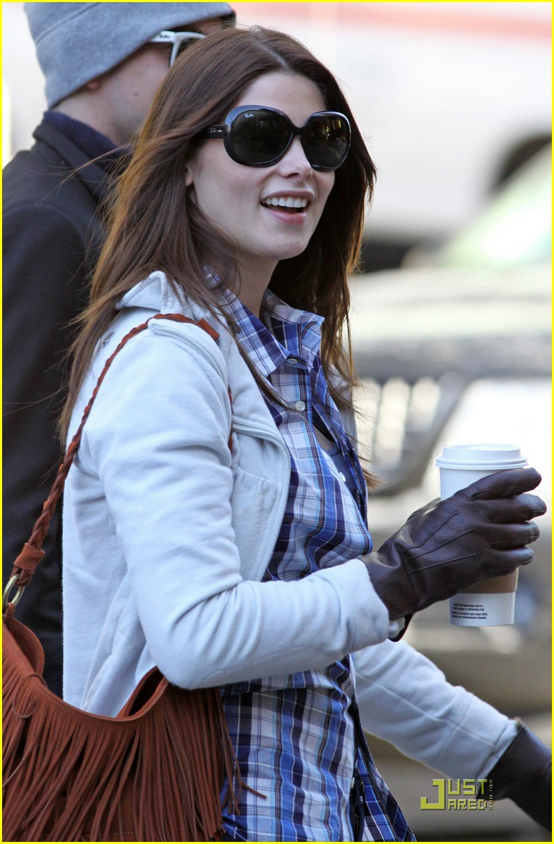 ashley greene jackson rathbone coffee 05
