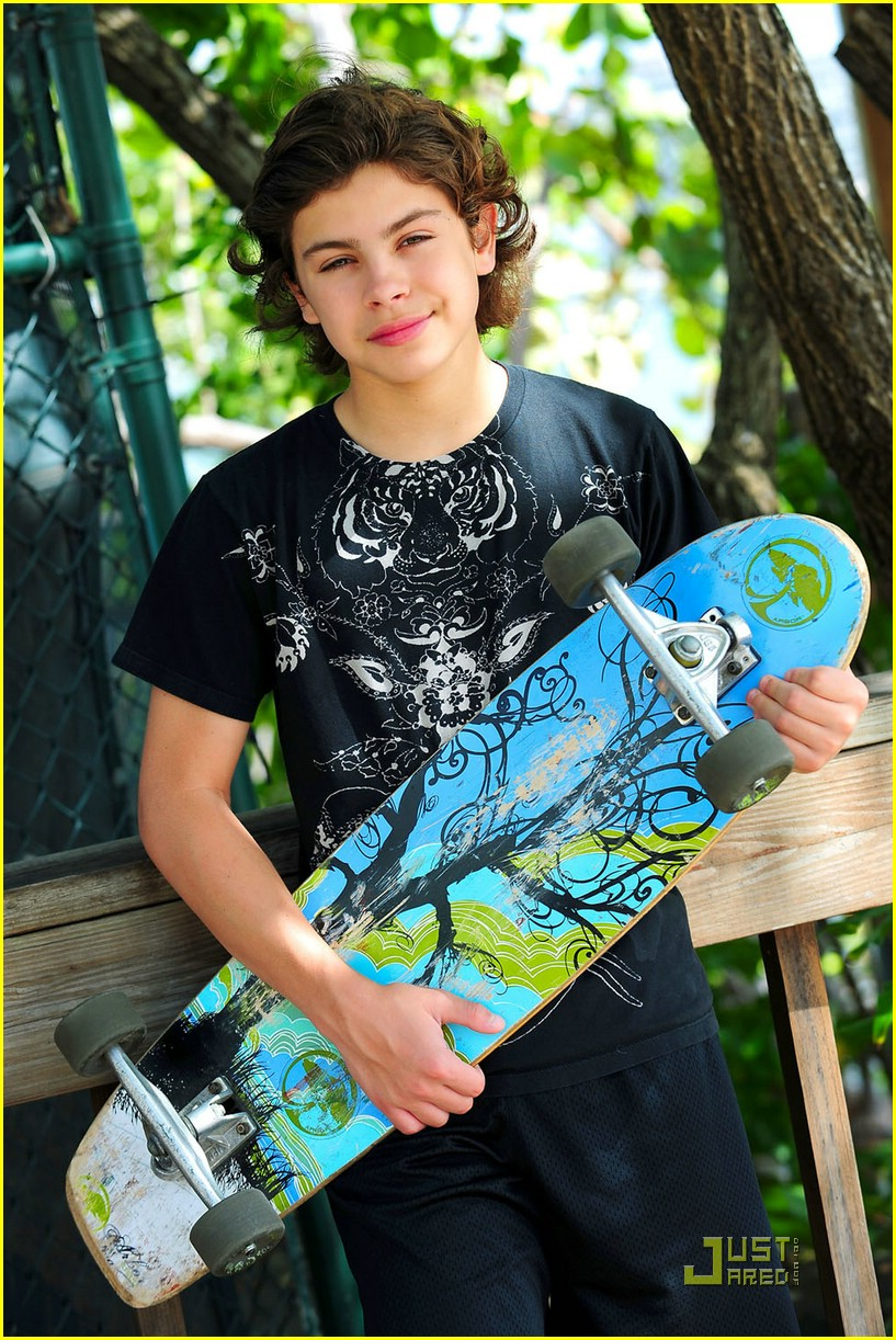 jake austin skateboarding boy 08
