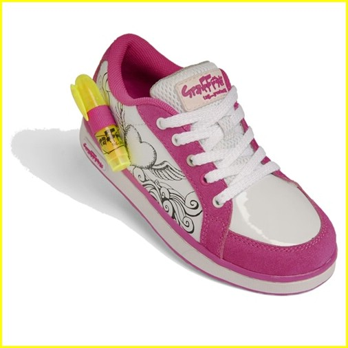jennette mccurdy graffeeti shoes contest 05