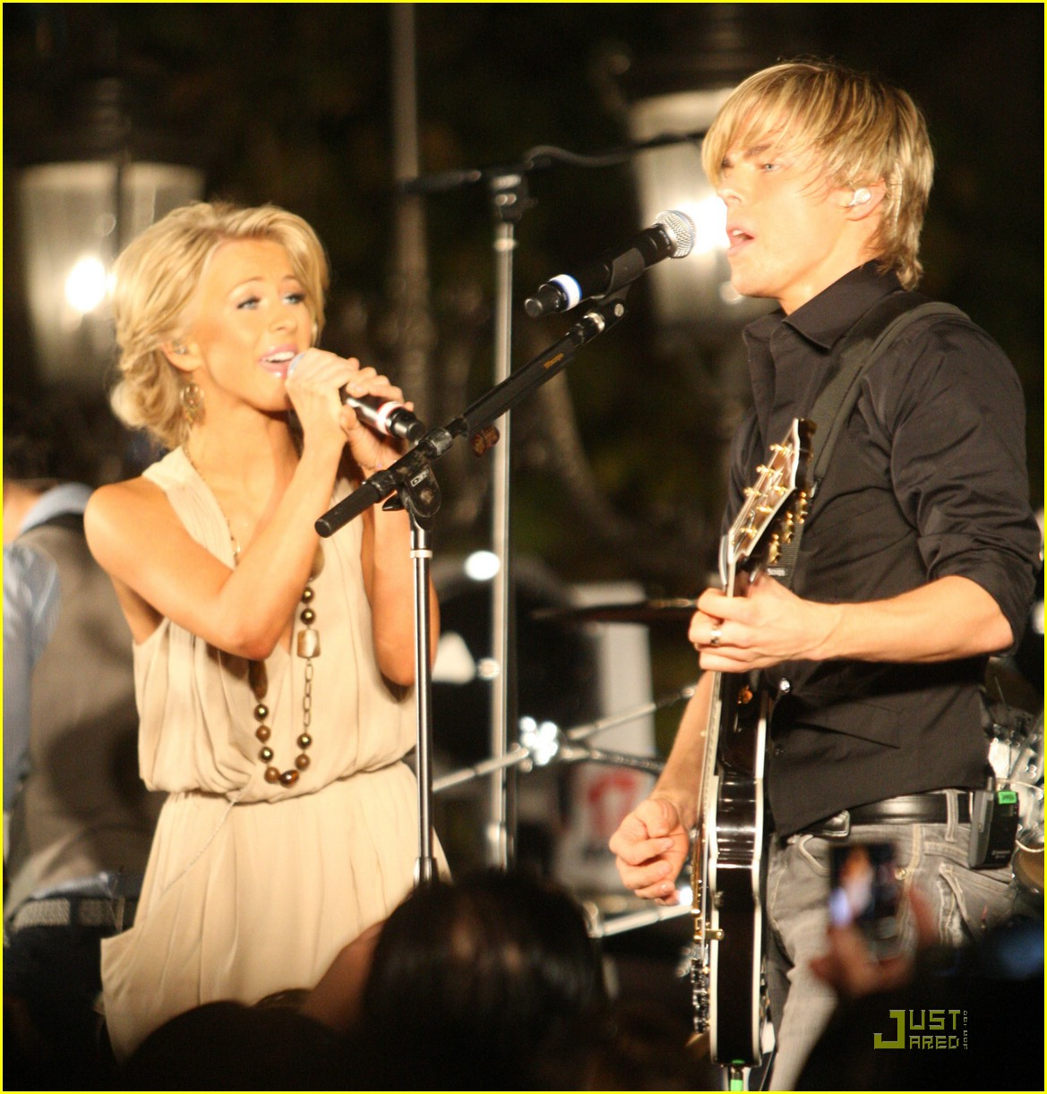 julianne hough derek hough grove bhb 05