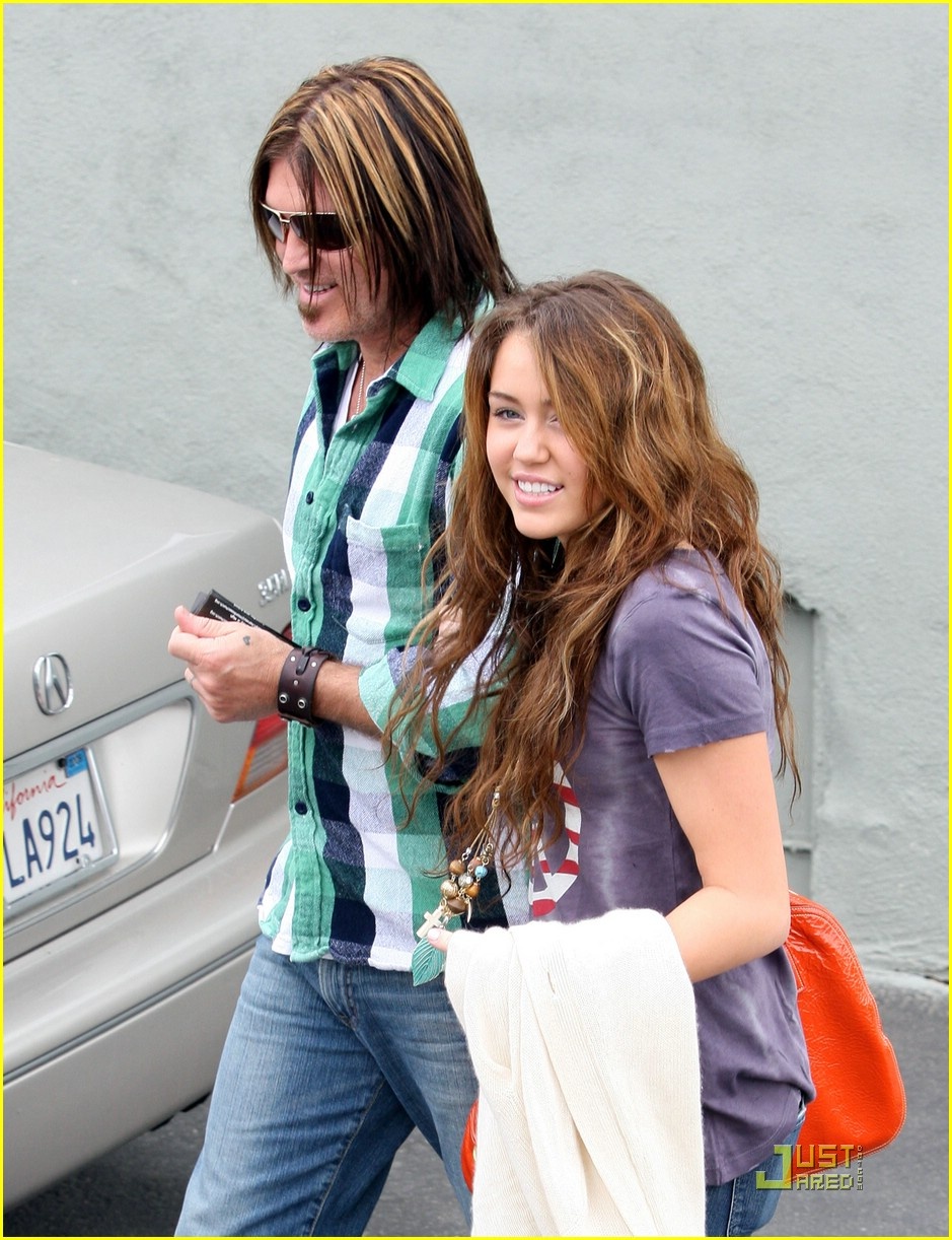 miley cyrus emily osment pasadena 33