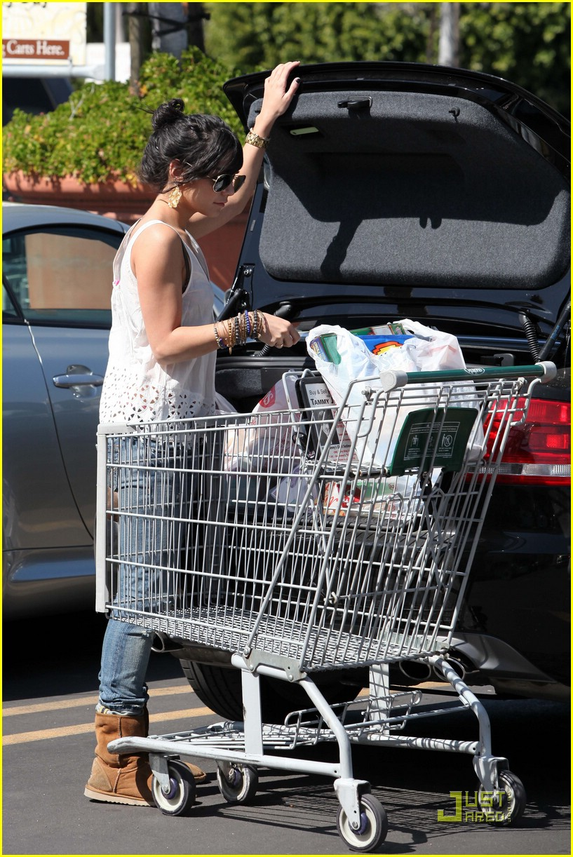 vanessa hudgens grocery girl 02