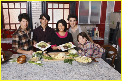 jonas brothers mother day 02