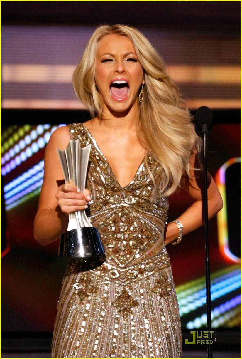 julianne hough acm winner 01