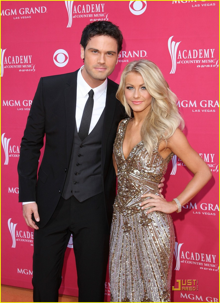 julianne hough acm winner 04