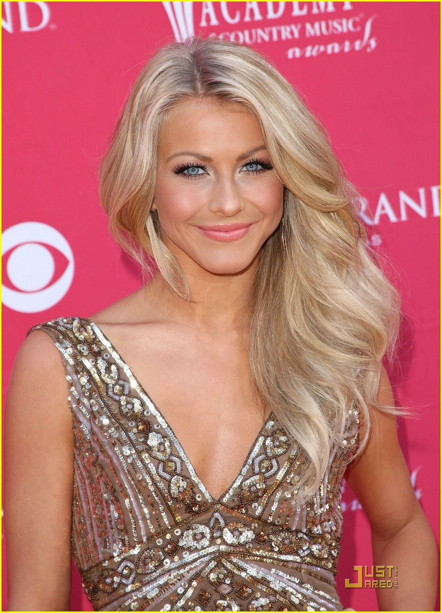 julianne hough acm winner 16