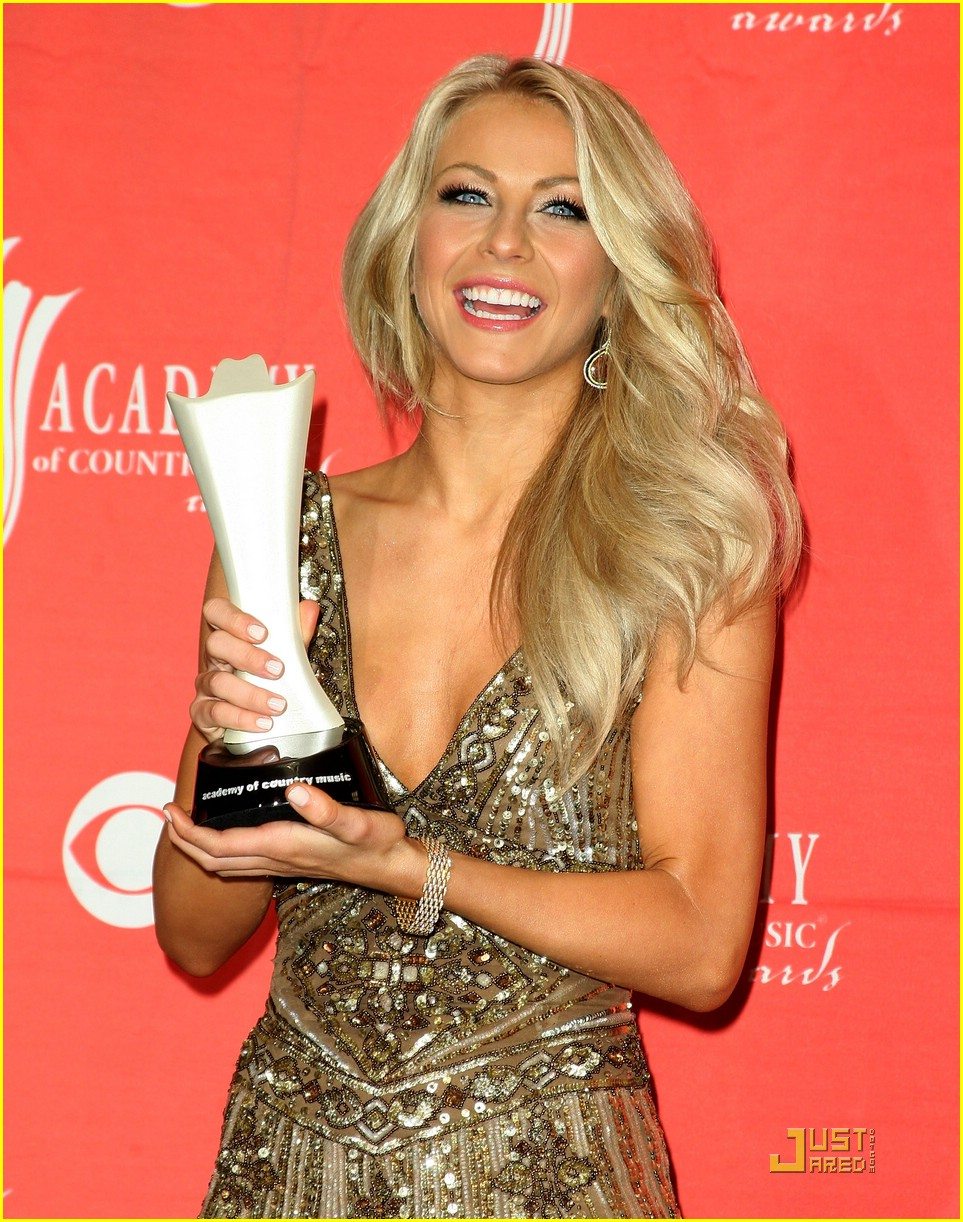 julianne hough acm winner 26