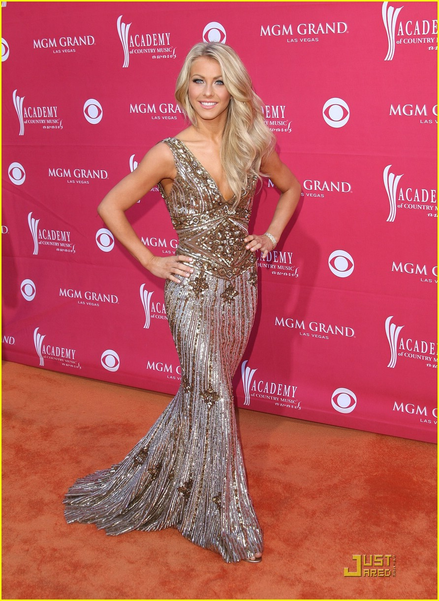 julianne hough acm winner 31