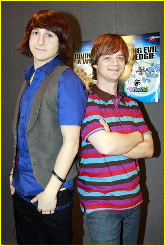 mitchel musso jason earles yinyang 02