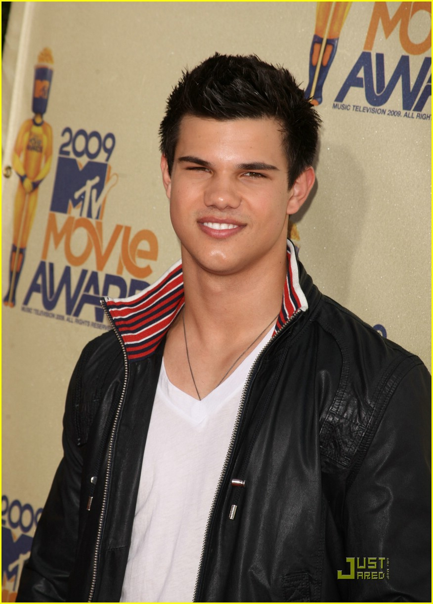 taylor lautner mtv movie awards 03