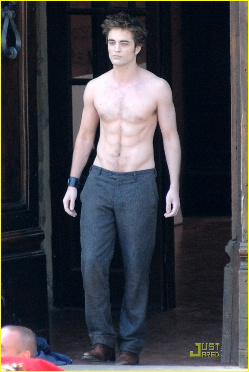 robert pattinson shirtless 01
