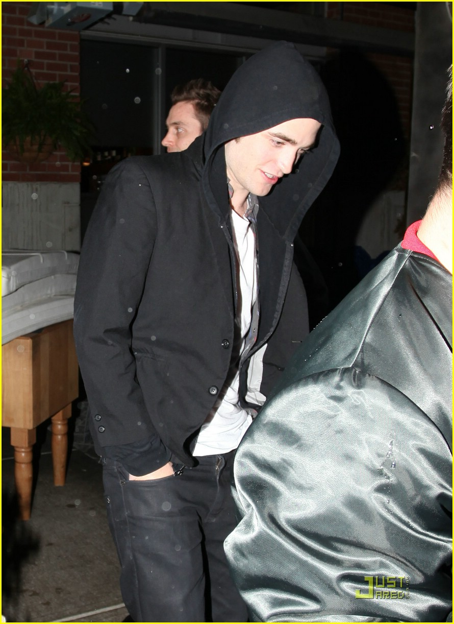 robert pattinson global grill 03