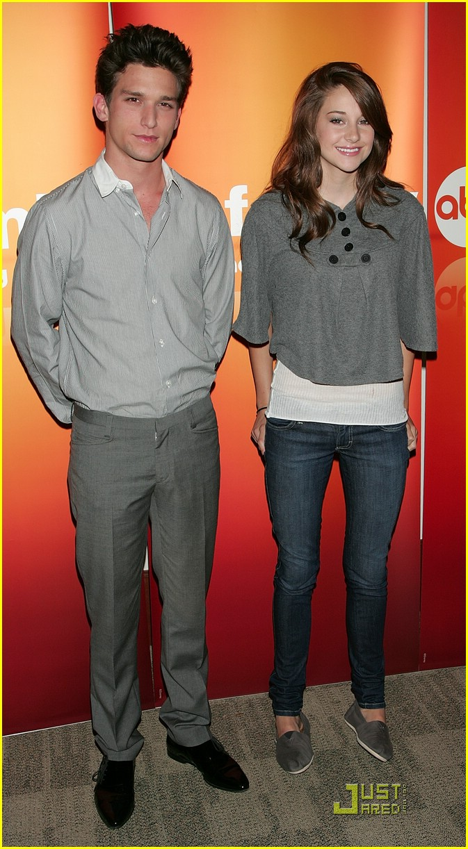 shailene woodley daren kagasoff press 02