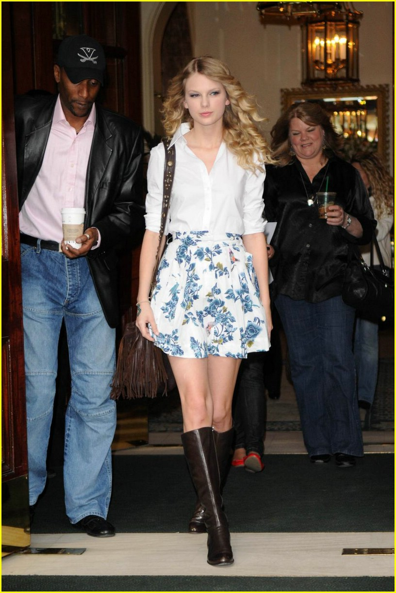 taylor swift floral skirt 04
