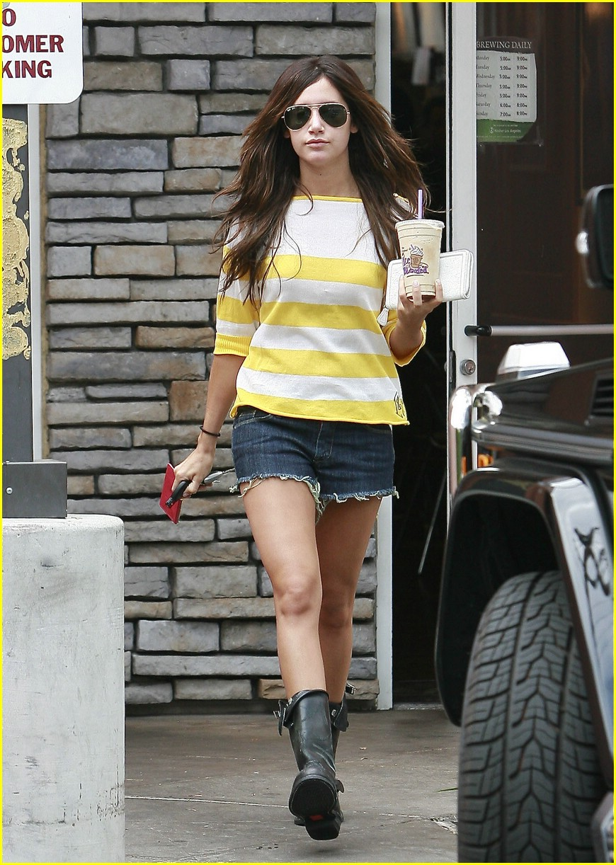 ashley tisdale coffee cool 08