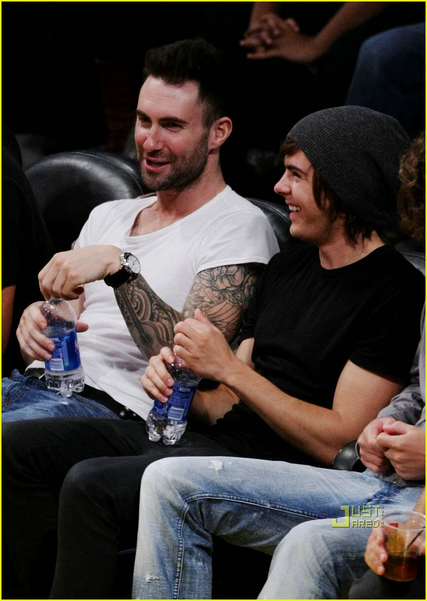 zac efron adam levine lakers 05