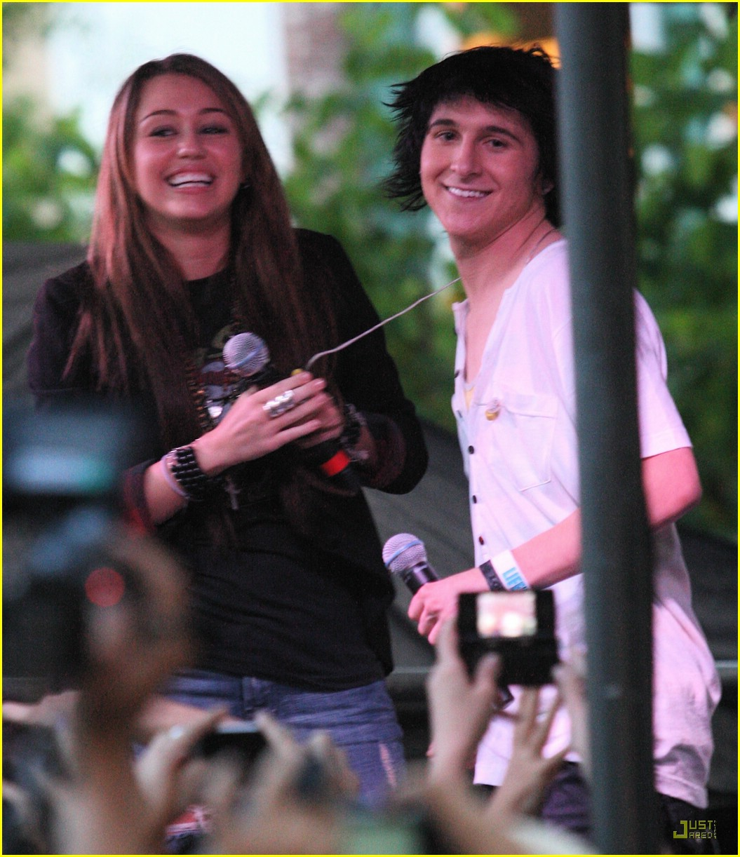 win mitchel musso grove gift 03