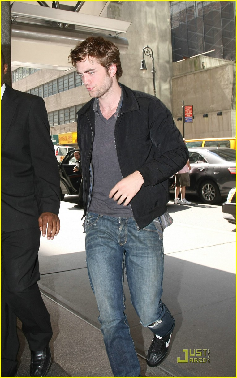 robert pattinson remember manhattan 07