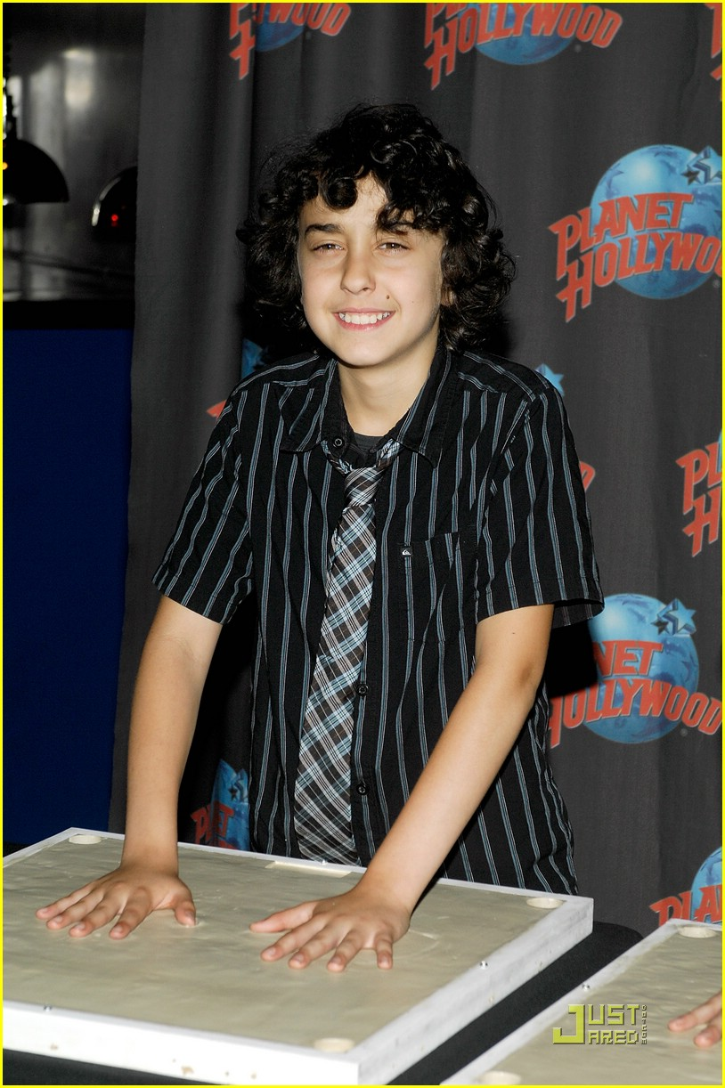 nat alex wolff planet hollywood 02