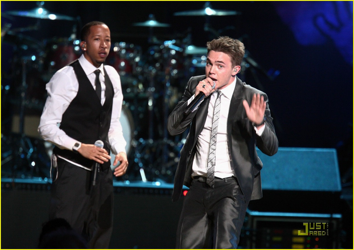 jesse mccartney mandela day 16