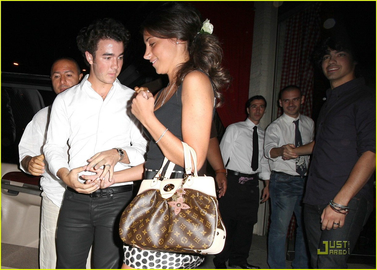 kevin jonas engagement party danielle deleasa 05
