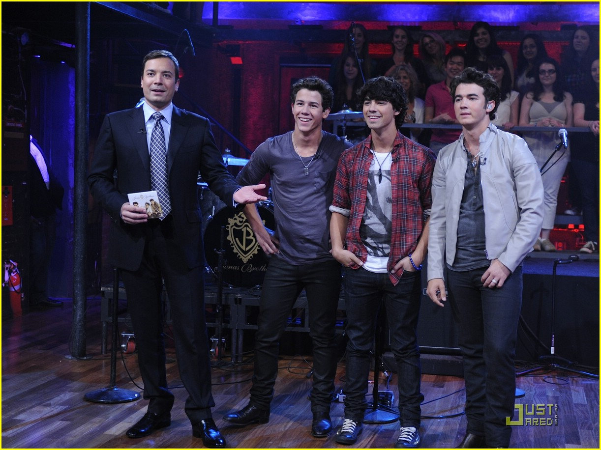 jonas brothers jimmy fallon 02