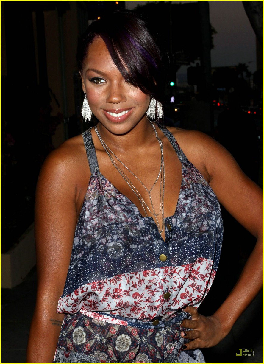 kiely williams india america pagaent 06