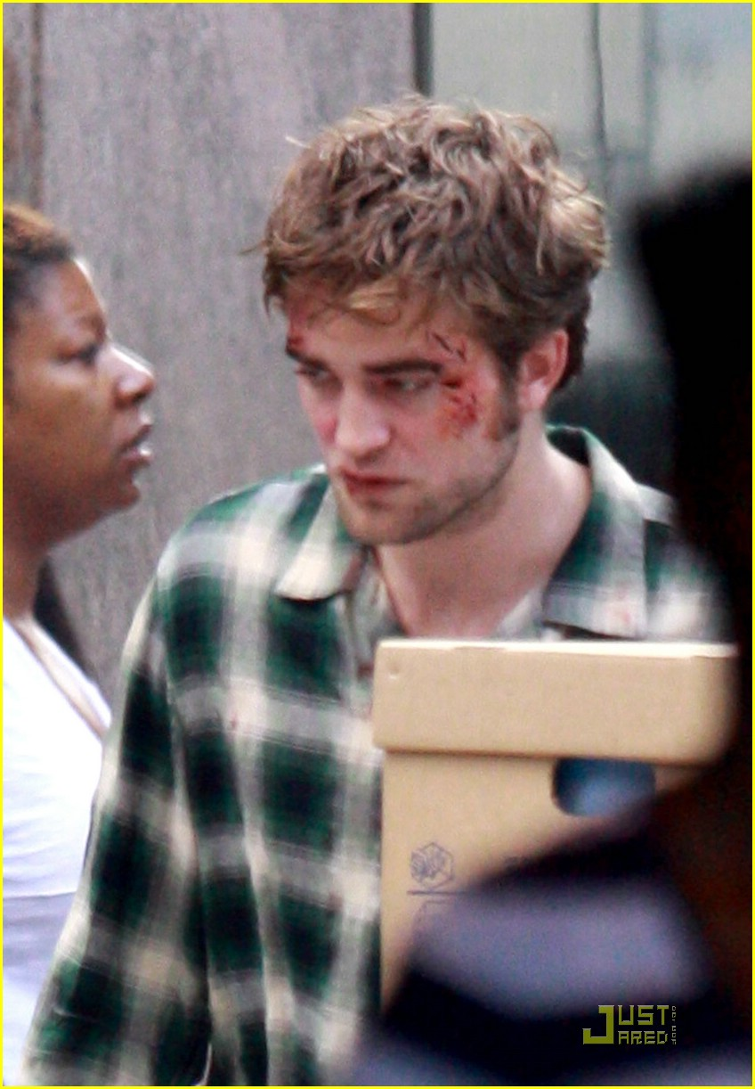 robert pattinson bloody 06