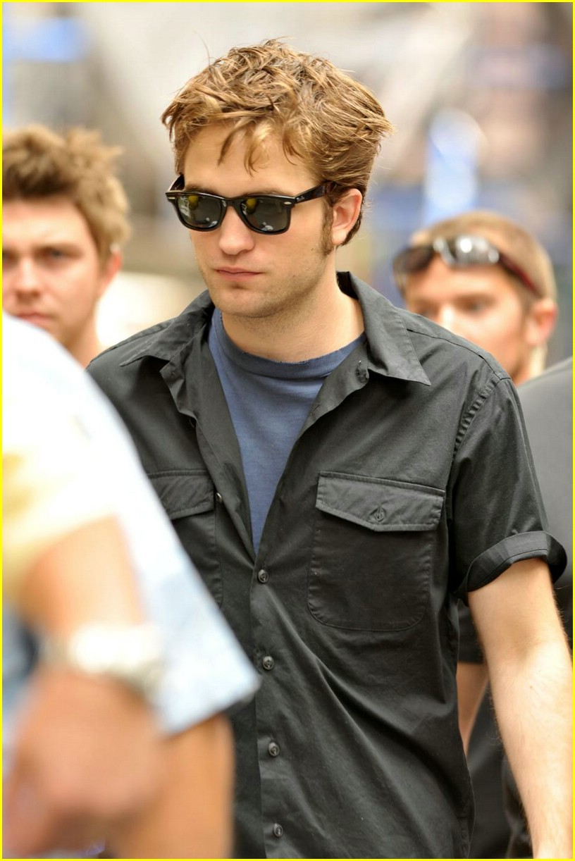 robert pattinson chocolate charmer 07