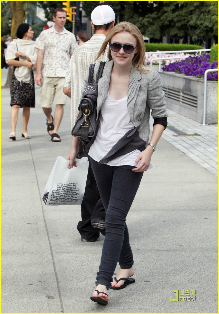 dakota fanning american apparel shopper 01