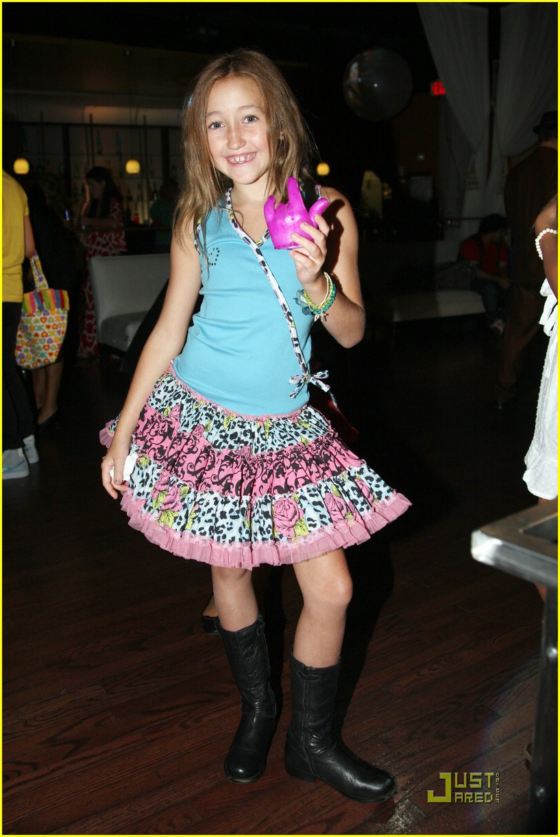 noah cyrus keana texeira tca party 04