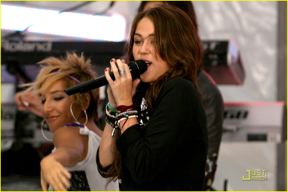 miley cyrus today show concert 09