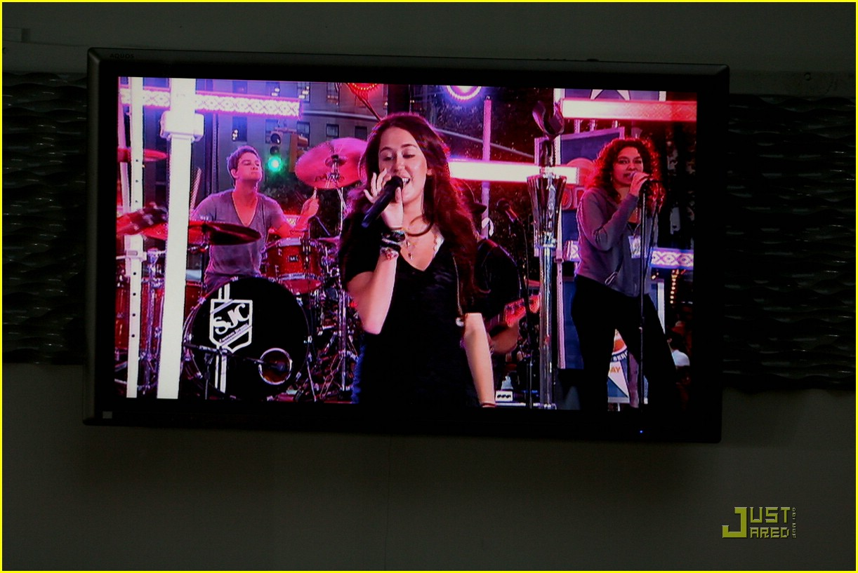 miley cyrus today show concert 10