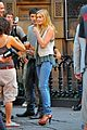 Sara-tbl sara paxton on set smiley 03