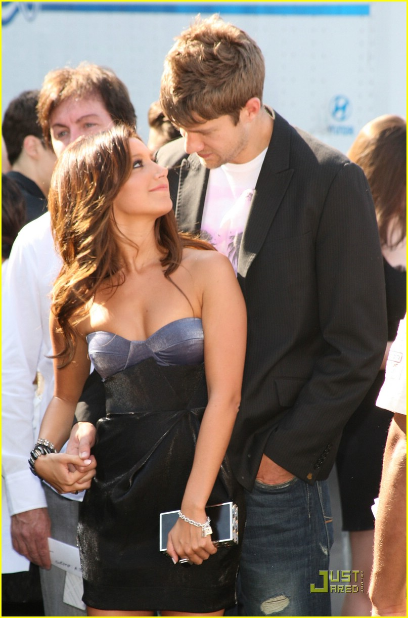ashley tisdale scott speer tca pda 07