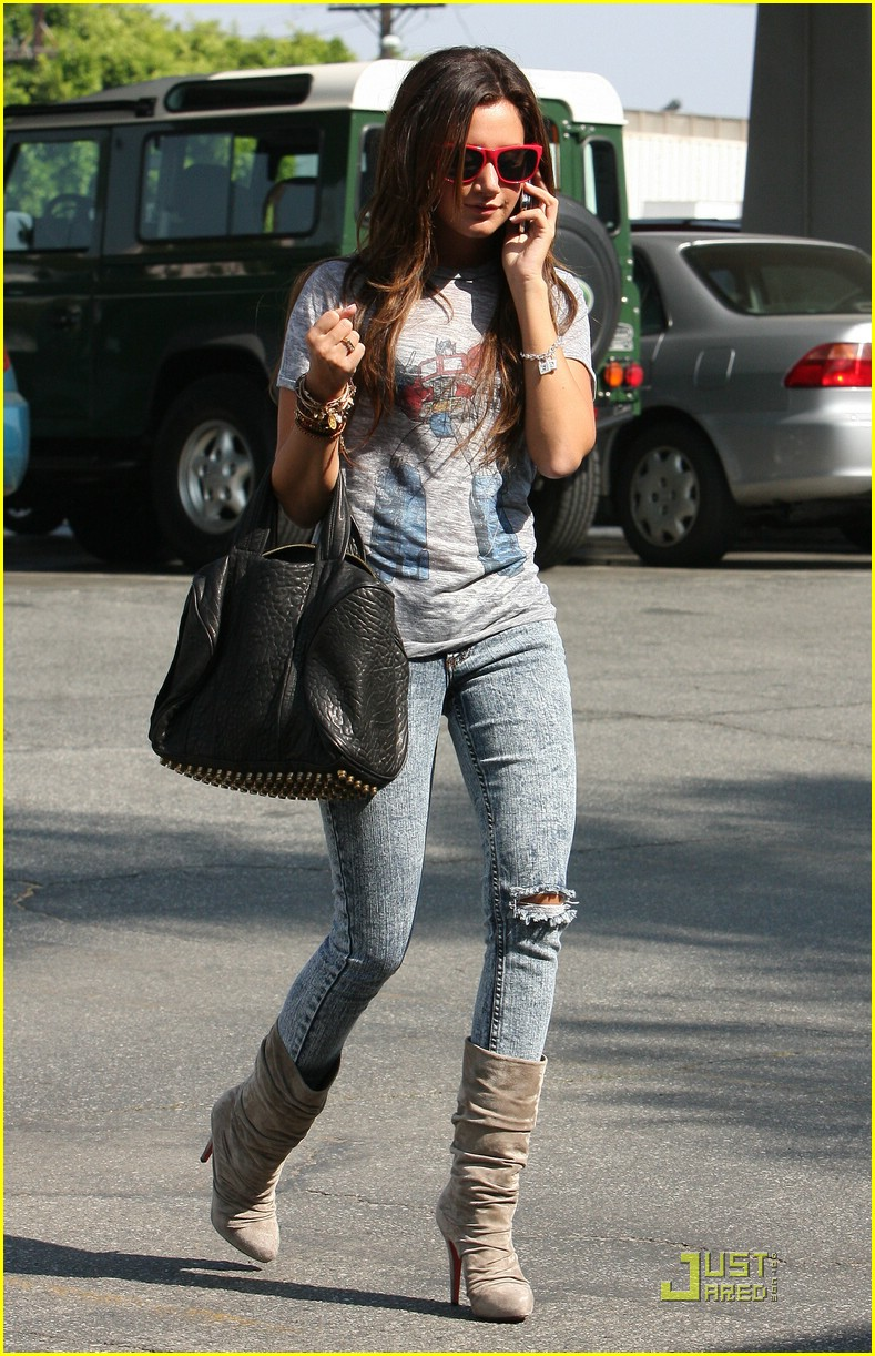 ashley tisdale twitter page 11
