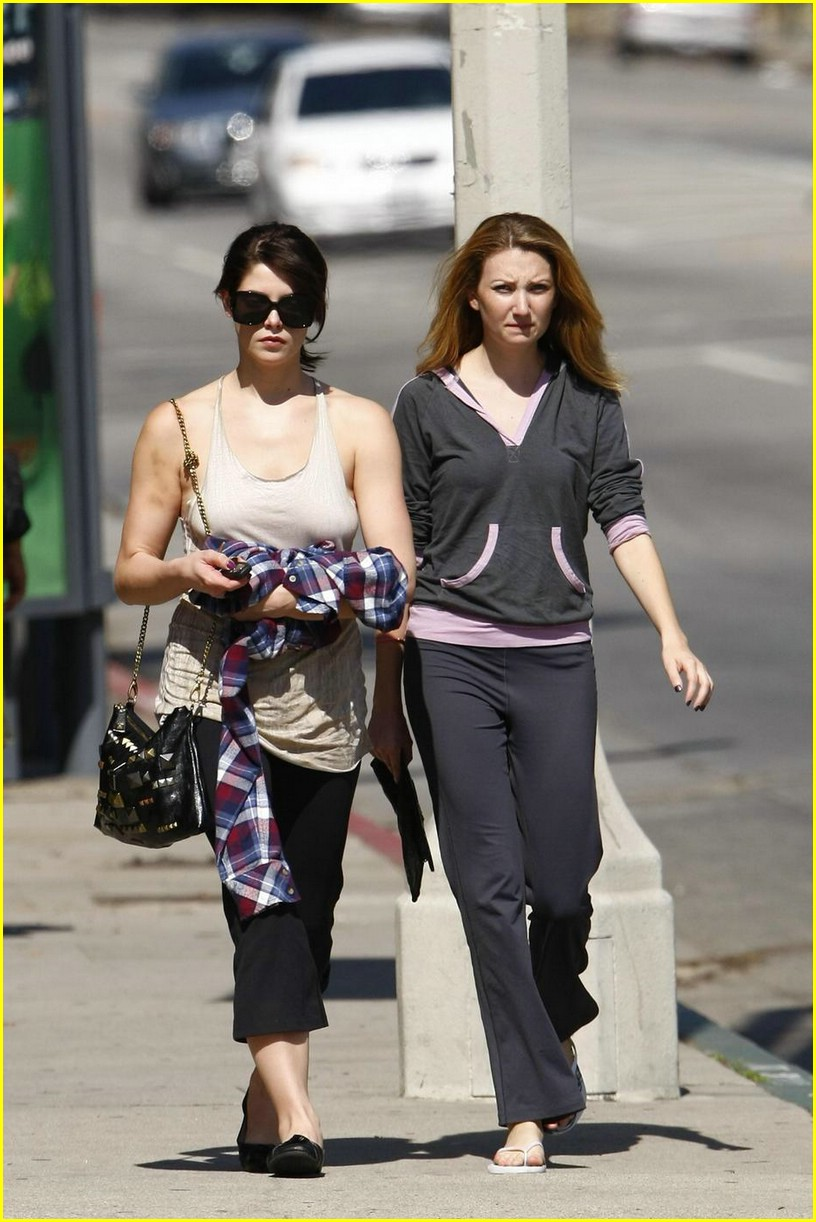 ashley greene vivians cafe 09