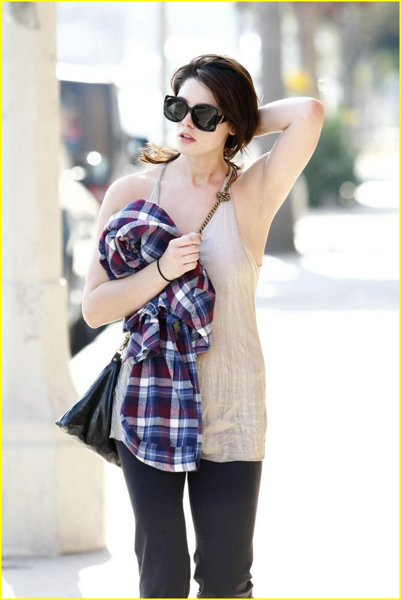 ashley greene vivians cafe 16