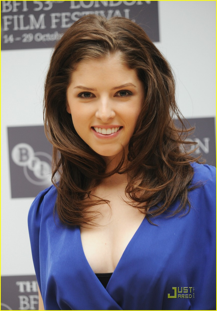 anna kendrick london lovely 03