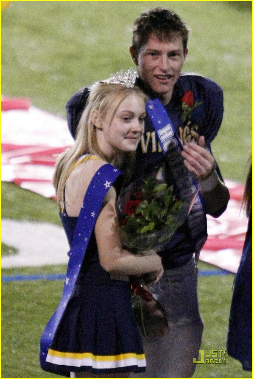 dakota fanning homecoming princess 04