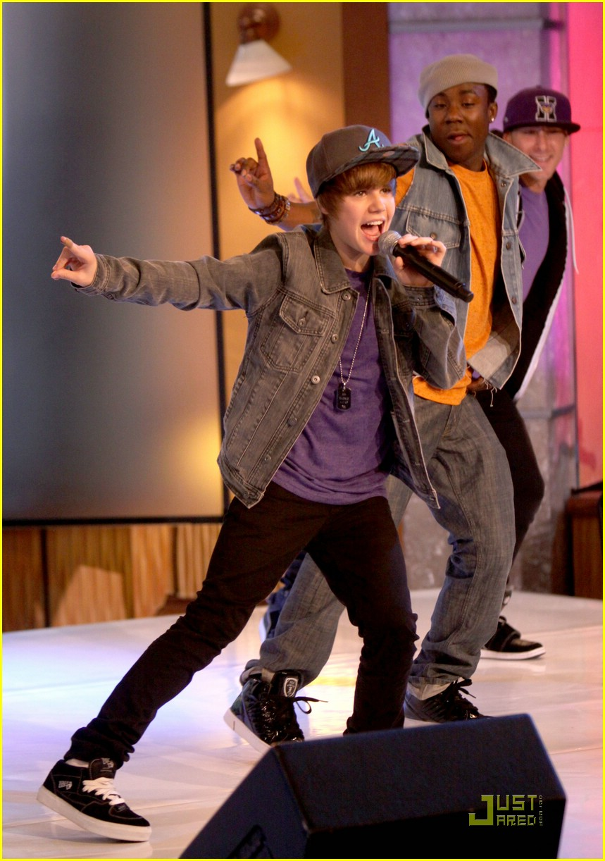 justin bieber gma sunday 07