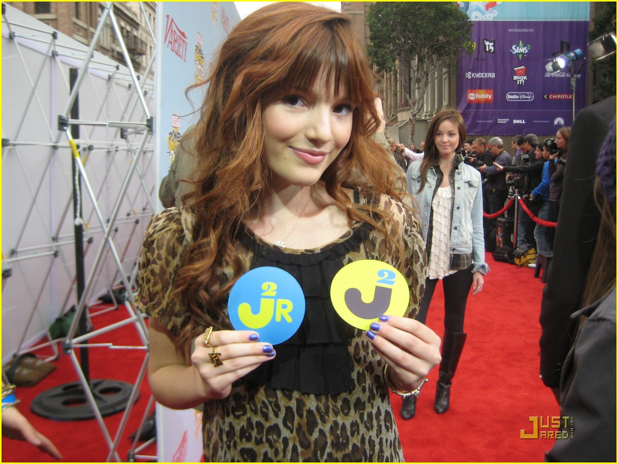 bella thorne joy giving 04