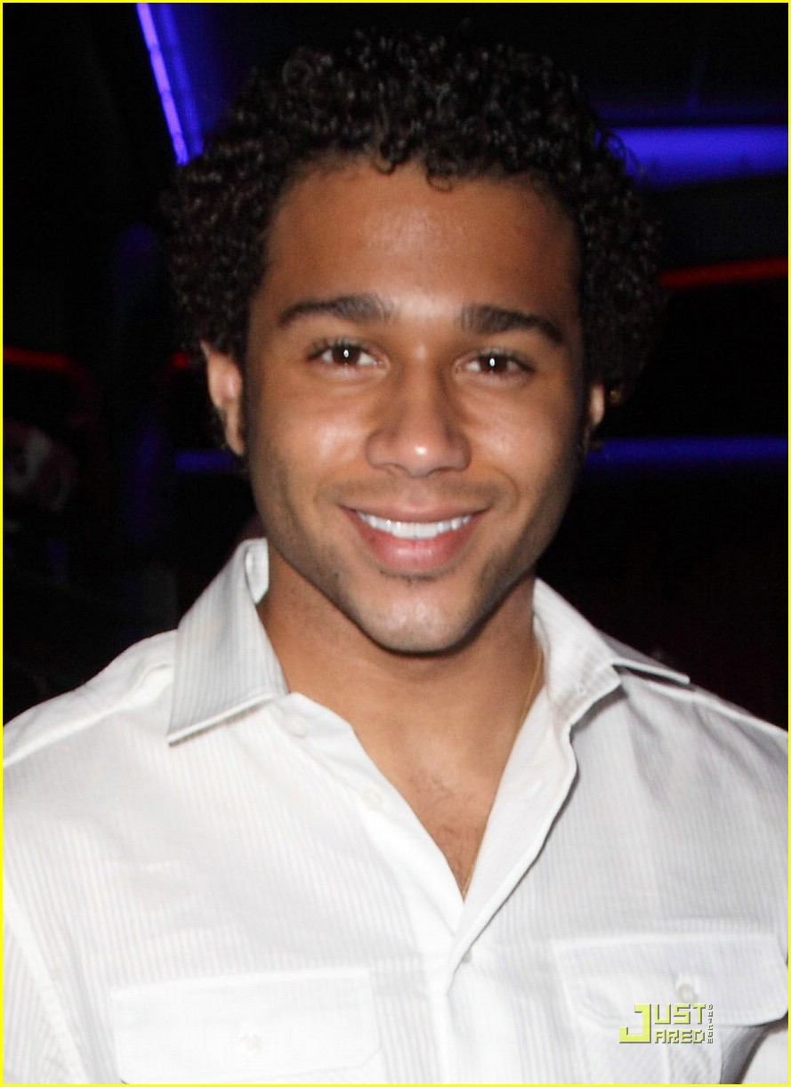corbin bleu make wish gala 02