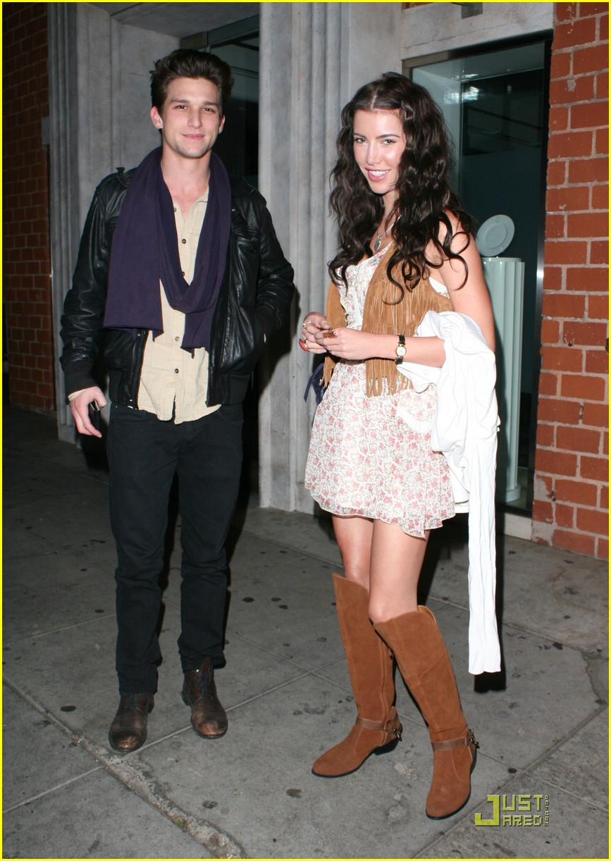 are daren kagasoff and jacqueline wood dating 2013 Is daren kagasoff gay are you a fan of daren's well-known artist mara wilson was born on friday 24th july 1987 and has been in the spotlight throughout 2013.