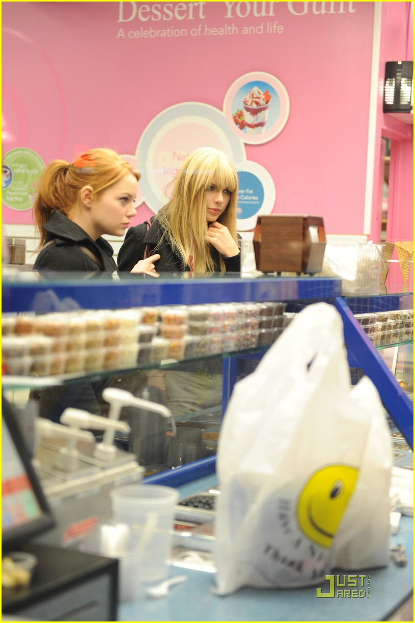 emma stone taylor swift baskin robbins 02
