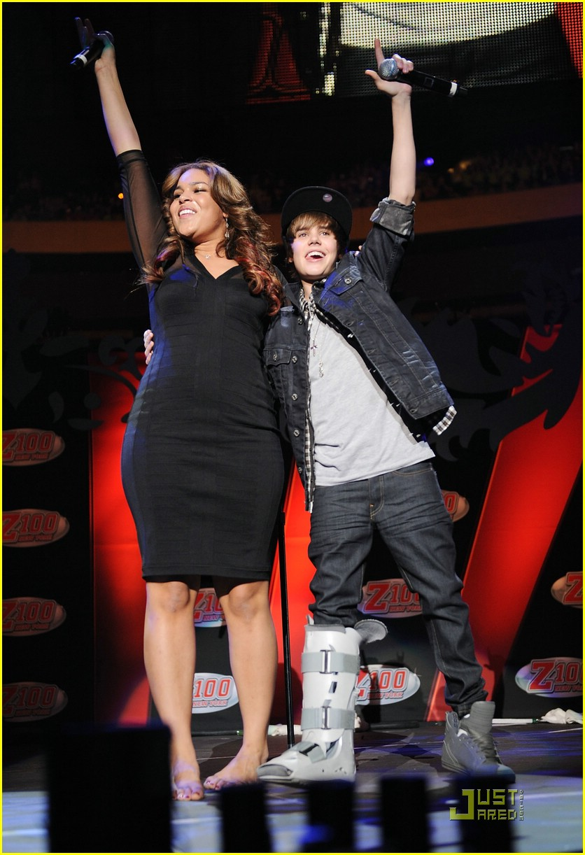 justin bieber jordin sparks jingle ball 35