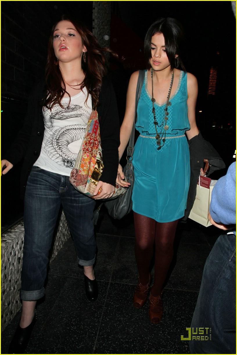 Selena Gomez Jennifer Stone