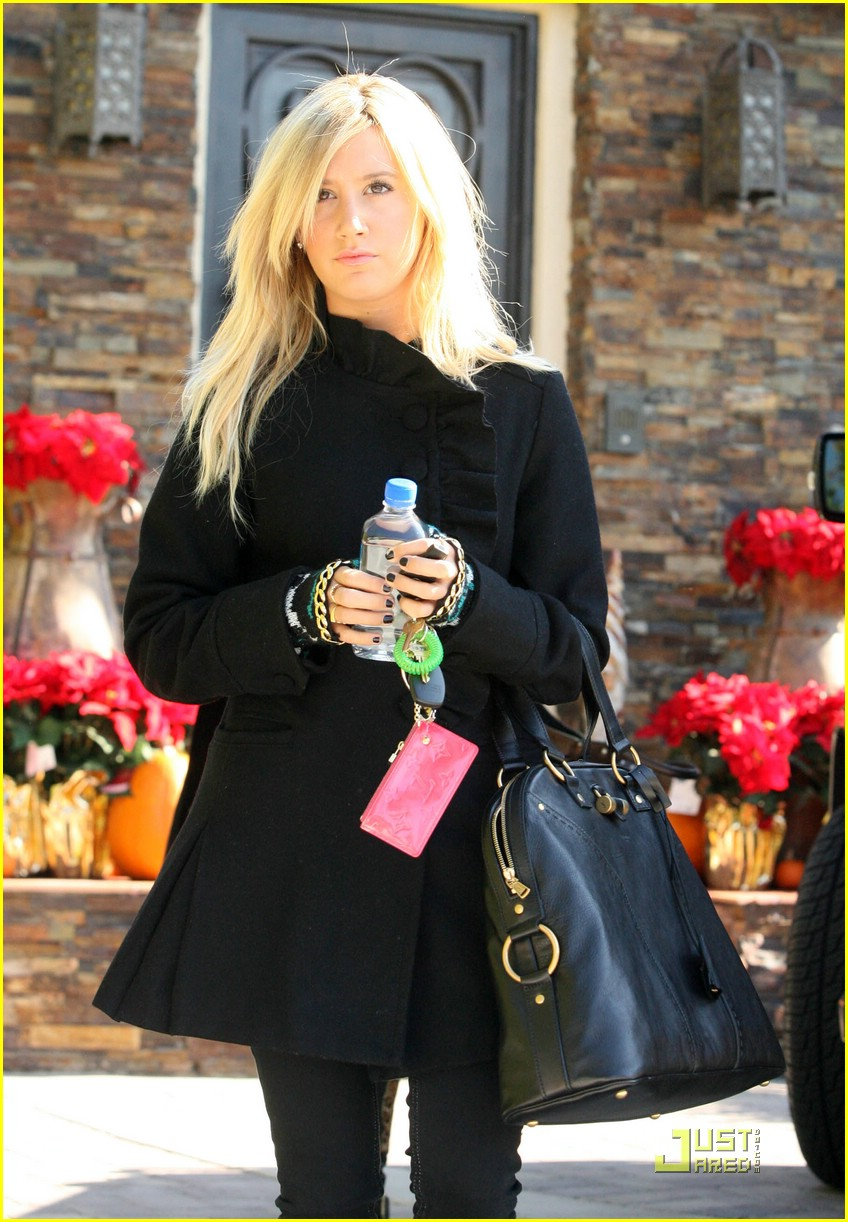 ashley tisdale bold black 01