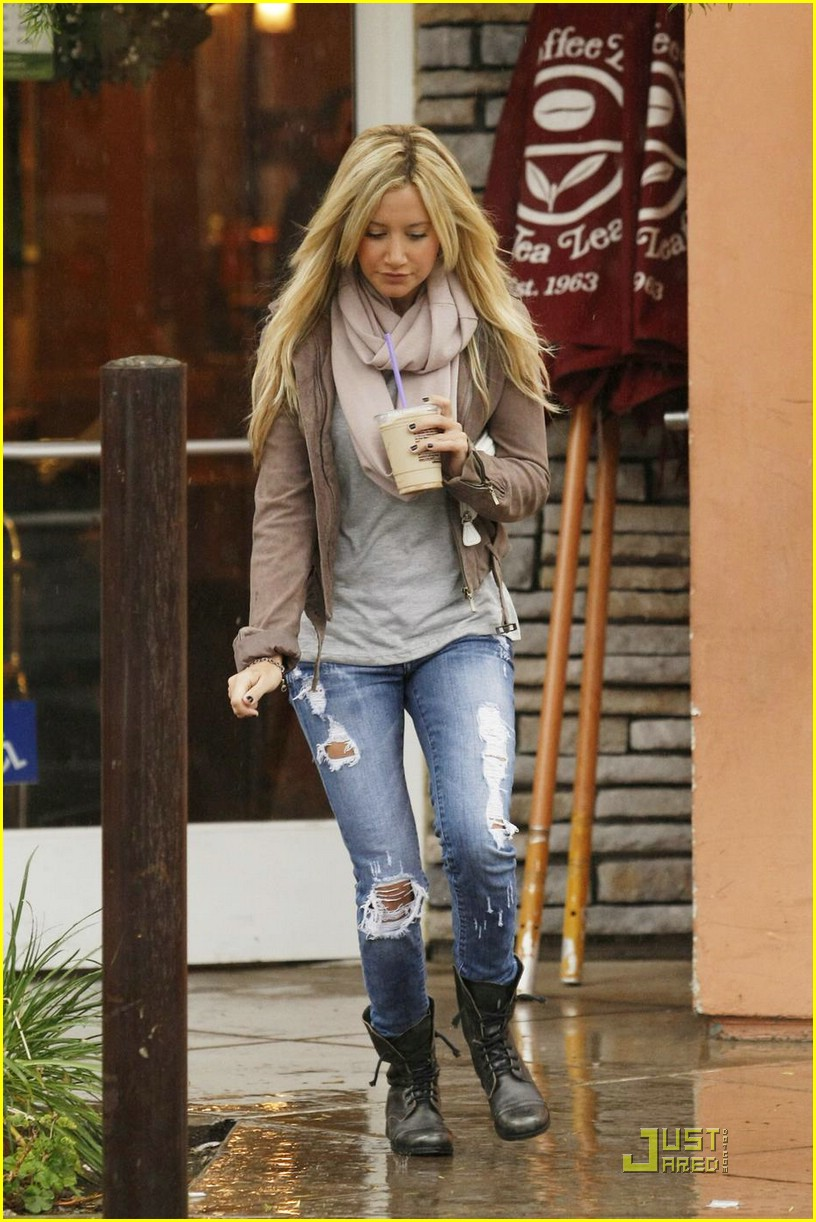ashley tisdale scarf sweet 03
