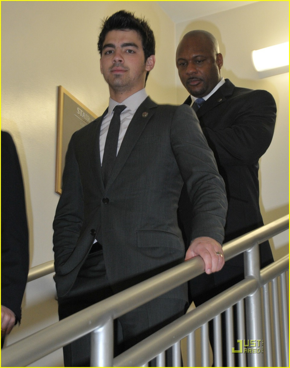 joe jonas eunice shriver 07